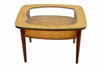 Retro Retro hranatý stolek